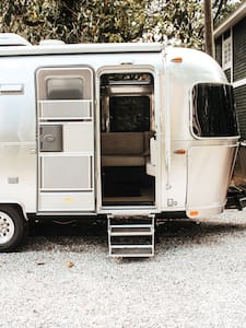 The Airstream - Clean, Safe & Cozy