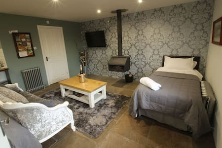 Converted stable room 2 - York  - Andre