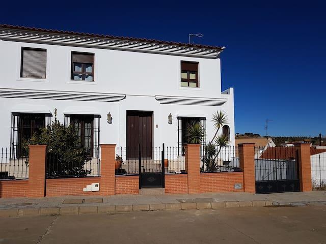 Manuela`s House Monesterio Village near mountain