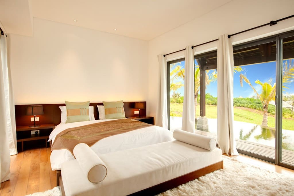 suite number 2 superficie 40 m2 vue on the swimming pool