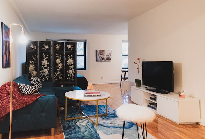 Studio in Downtown Stamford, 5min from Metro North
