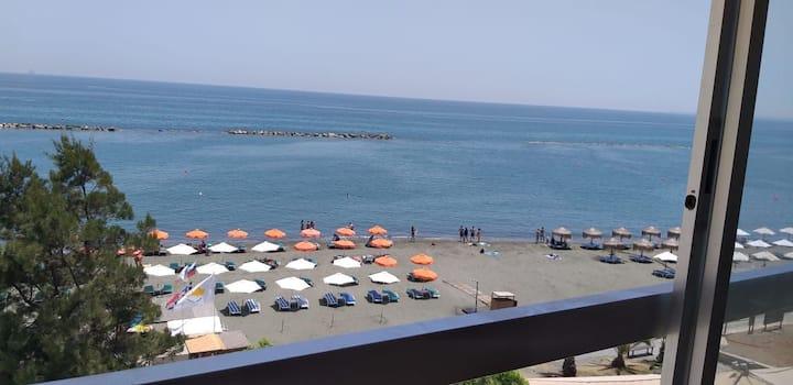 Golden Beach Waterfront Apartment