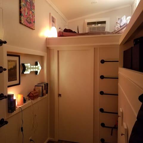 Cozy Zen Tiny House - Draper - Trailer
