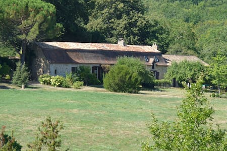 Holiday cottage in nice farmhouse w. swimming pool - Cause-de-Clérans - Casa