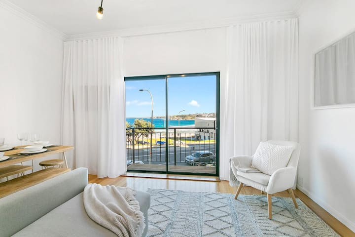 The Rooftop  - Bondi Beachfront with Parking