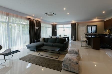 Modern home live in country side Pattaya - Pattaya - House