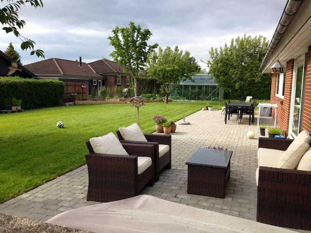 House with space for the family with garden