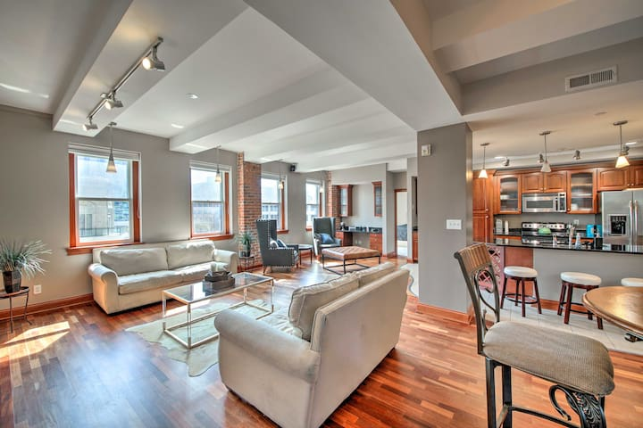 NEW! Luxury Downtown Condo 1 Block to City Circle!