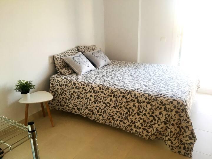 Habitación privada 1 cama. Campos. Vivienda nueva.