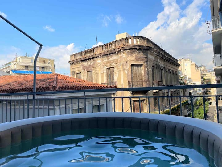 Boutique APT with OpenAir JACUZZI/HOT tub in Plaka