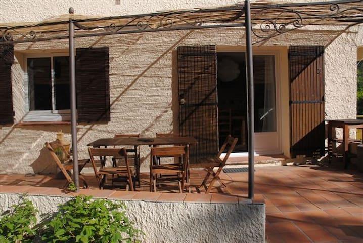 Appartement dans villa avec piscine - Solliès-Ville - Leilighet