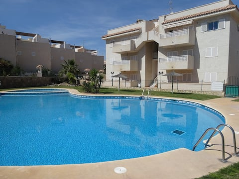 Apartamento con piscina y terraza en Aguilas
