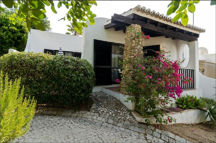 Fantastic 2 Bedroom Villa, WiFi, Private Terraces