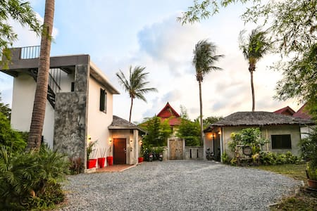 Charu Bay Luxury Beach Side Garden Villa - Ko Pha-ngan