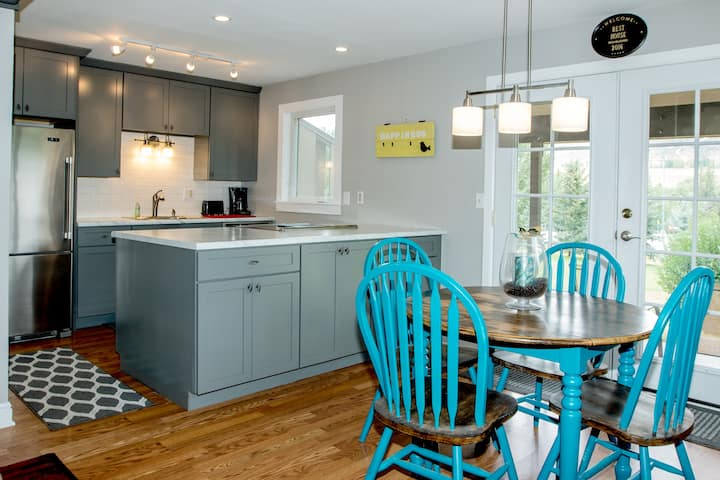 Recently Renovated 1 bdrm Townhome on golf course!