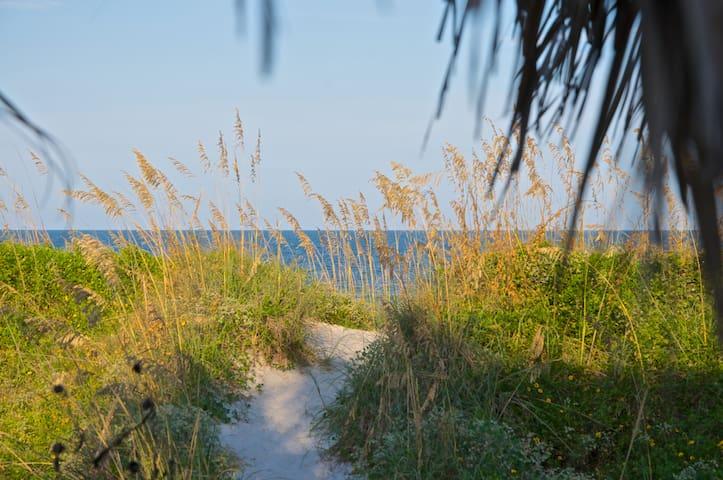 Elegant Cabana - Neptune Beach - Leilighet