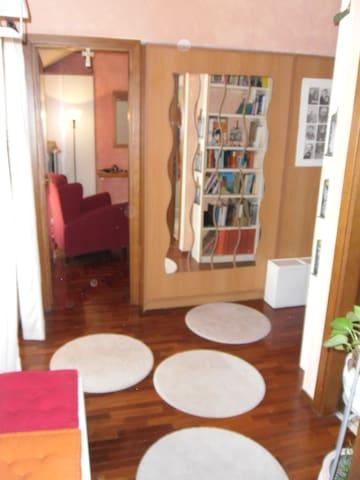 bellissimo appartamento nel verde  - Comazzo - Daire