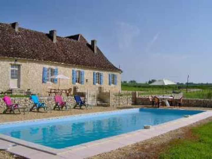 Villa avec piscine proche BERGERAC