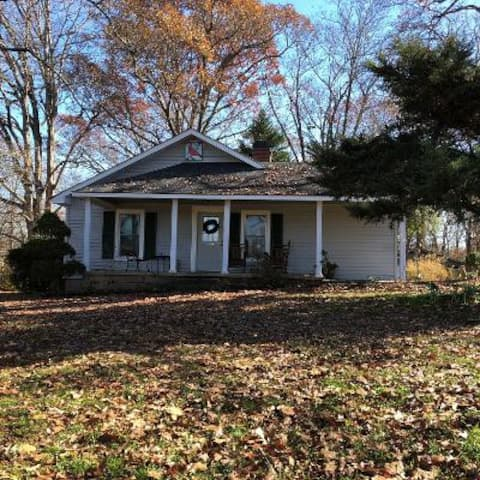Double Nickel Farm House: Near Clemson University