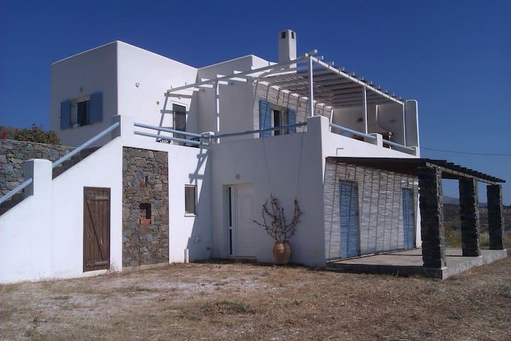 SYROS VARH ATELIOU - Syros - Villa