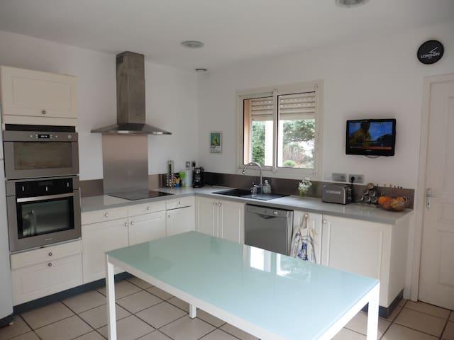 Spacieuse Villa 138m² - Ginestas - House