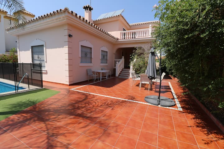 Villa Celia. Magnificent villa with heated pool