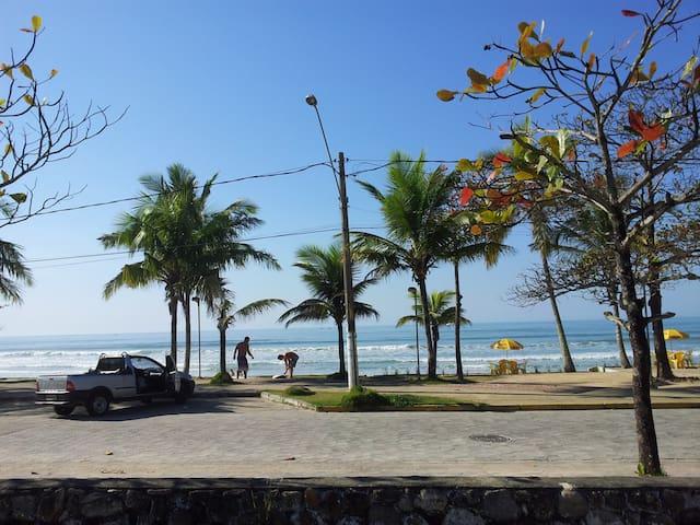 Apto 2 quartos a 150m do mar-Praia Grande/Ubatuba