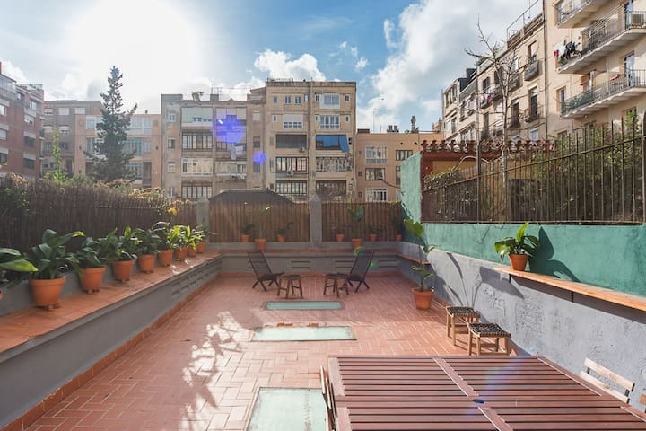 Central 3 bedroom apt, spectacular 125m2 Terrace.