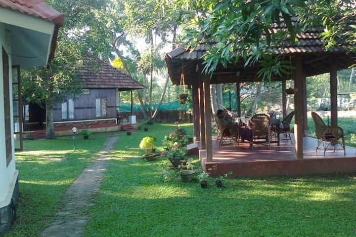 Lovedale Lakeside Homestay room 3
