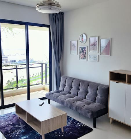 In Box Homestay @ Forest City Seaview Apartment