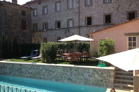Pescaglia Toscane, huis uit 1650 - Pescaglia