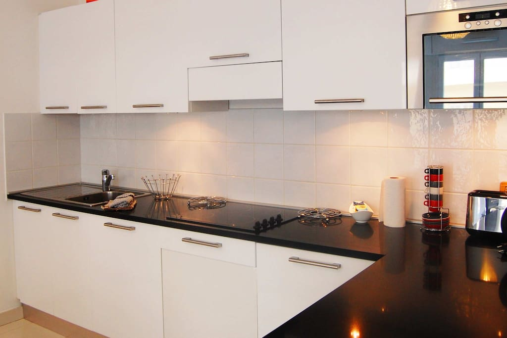 3 Kitchen - France Nice Studio Apartment Harmonie-12