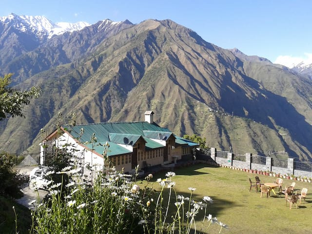Parondi Hills - District- Chamba - Hus