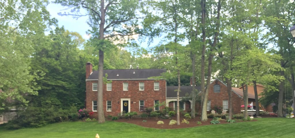 Large colonial near Annapolis: commissioning week