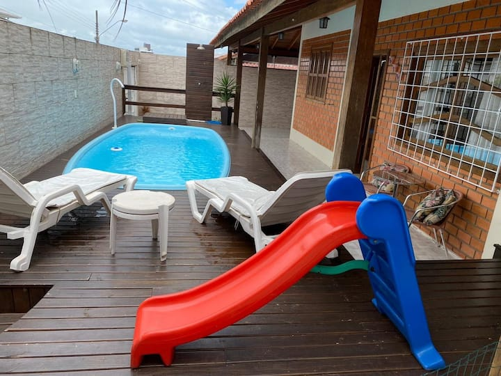 Bela casa na região continental de Florianópolis
