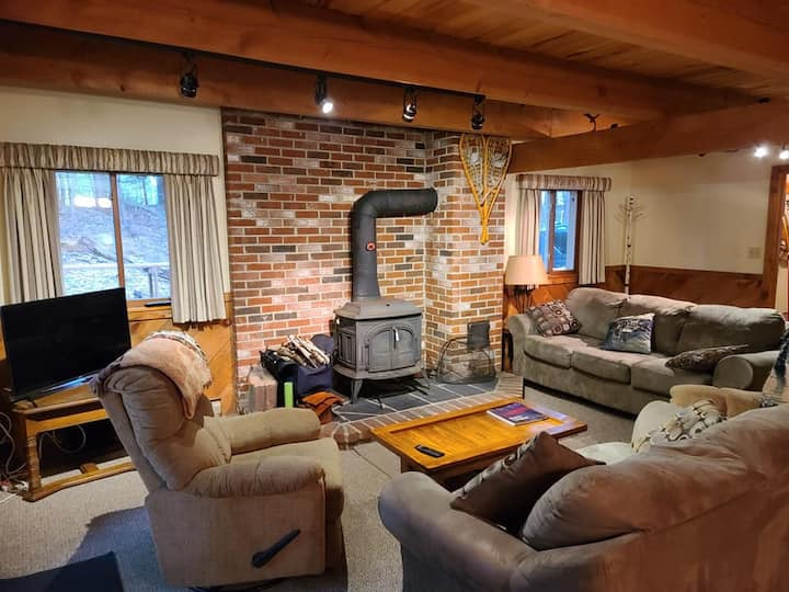 Cozy Bartlett, NH Condo
