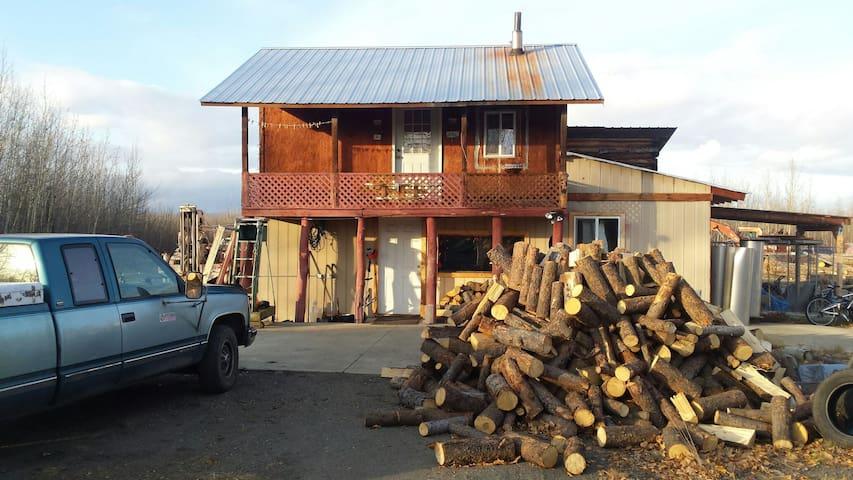 Alaskan Stoves Rustic Guest Room