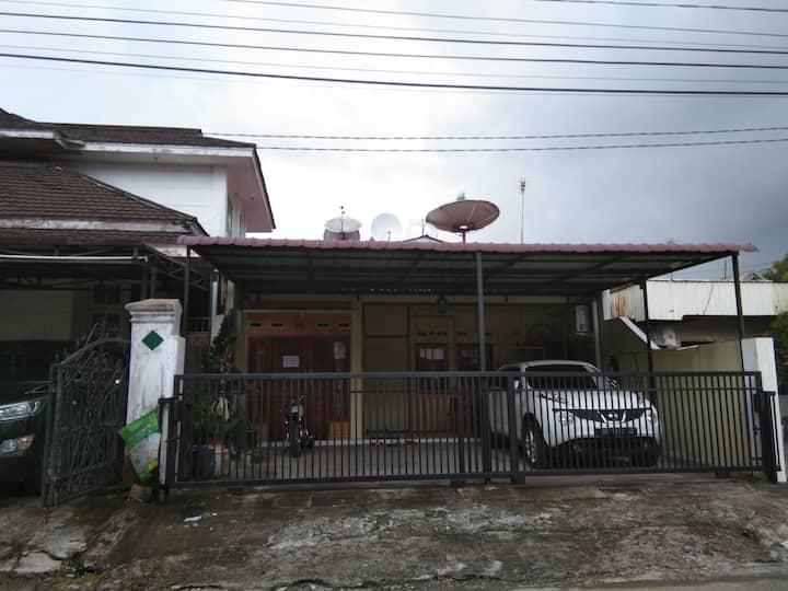 Cimandiri City House