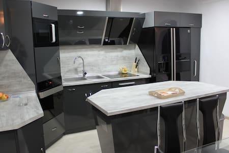 Elite 3 bedrooms apartment  - Smolyan