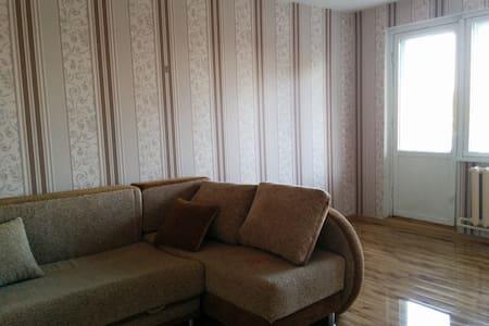 Просторная двухкомнатная квартира - Shakhunya