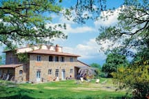 Large 17th Century stone farmhouse with private pool in Tuscany