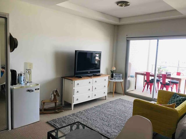 beautiful studio with pool 10 min walking to CBD