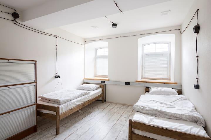 Место в номере для 4х (Автор - Таганка) 2-1