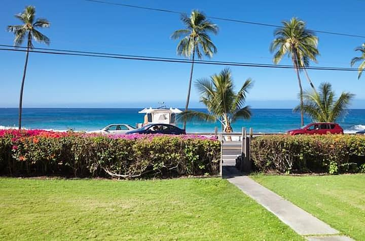 Ocean View Condo A1, Steps from Magic Sands Beach