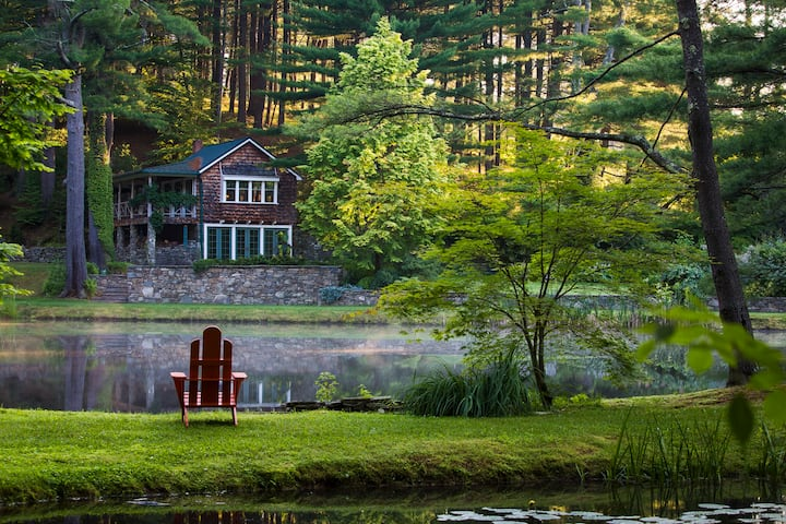 Catskills Lux Designer Cottage...read our reviews.