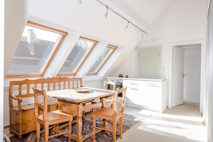 moderne & helle Maisonette-Wohnung in super Lage