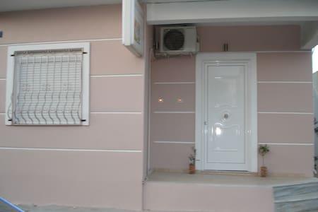 apartment 50m from sea - Agioi Theodoroi