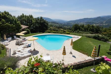 Borgo medievale con piscina Vite 1