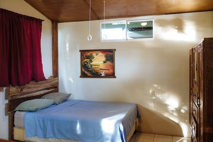 Green Flash Guest House BEACHFRONT  - El Gigante - Lägenhet