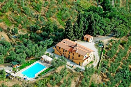 Villa toscana con piscina panoramica 10-12 ospiti - Monsummano Terme - Villa